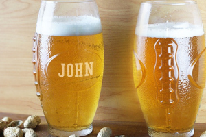 """Beer glasses with the name """"John"""" on one of them - gifts for football fans"""